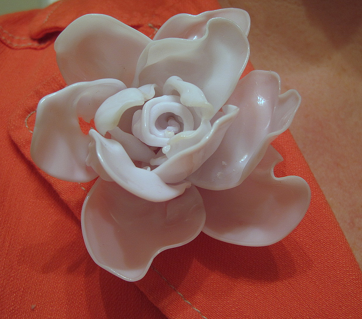 Watch How to Make Plastic Spoon Roses video