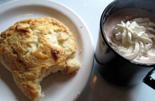 Pear-Ginger Scone with Hot Chocolate