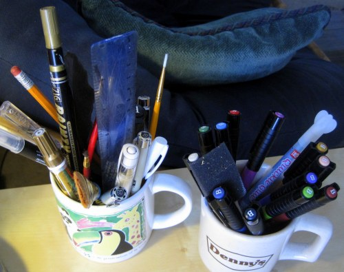 Mugs with brushes & pens
