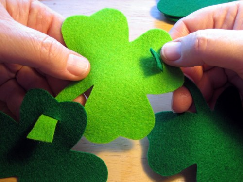 Attaching shamrocks together
