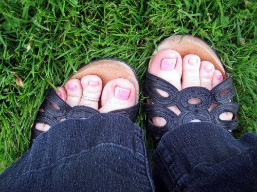 Pink Toesies & Green Grass