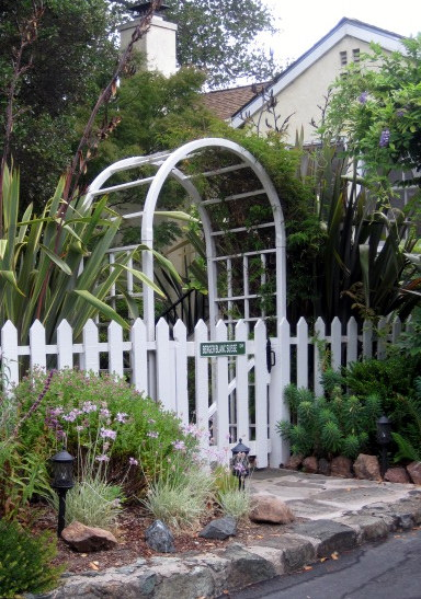 Picket Fence with Arched Gateway