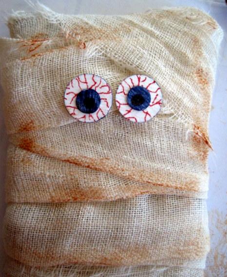 Tied Eyes
